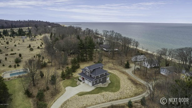 Single Family Residence, Traditional - West Olive, MI (photo 1)
