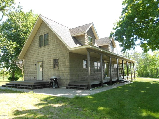 Cape Cod, Single Family Residence - Scottville, MI (photo 2)