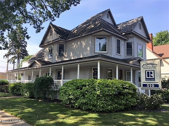 Single Family Residence, Victorian - Ludington, MI (photo 1)