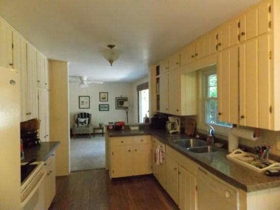 Single Family Residence, Ranch - Whitehall, MI (photo 2)