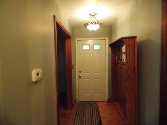 Single Family Residence, Ranch - Whitehall, MI (photo 4)