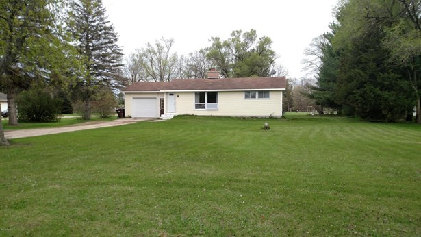 Single Family Residence, Ranch - Greenville, MI (photo 2)