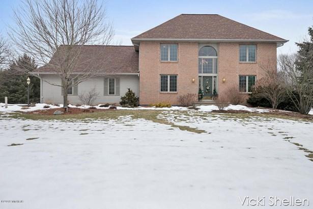 Single Family Residence, Traditional - Belmont, MI (photo 1)