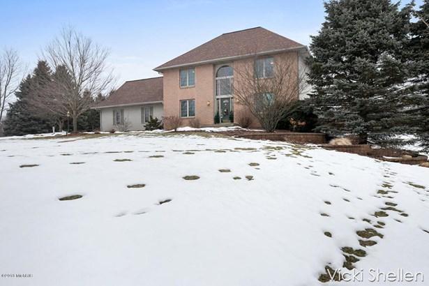 Single Family Residence, Traditional - Belmont, MI (photo 2)