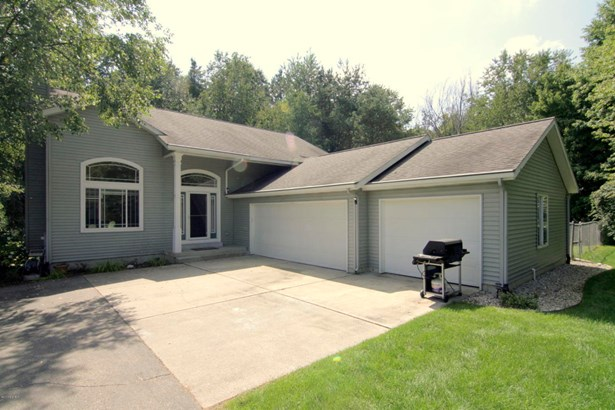 Single Family Residence, Contemporary - Belmont, MI (photo 1)