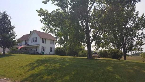 Farm House, Single Family Residence - Leroy, MI (photo 1)