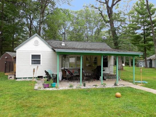 Cabin/Cottage, Single Family Residence - Baldwin, MI (photo 1)