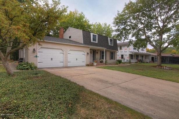 Single Family Residence, Traditional - Grand Rapids, MI (photo 3)