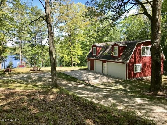 Cabin/Cottage, Single Family Residence - Fountain, MI (photo 2)