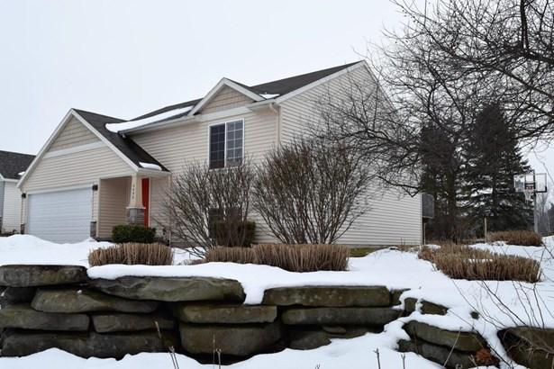Single Family Residence, Bi-Level - Wyoming, MI (photo 2)