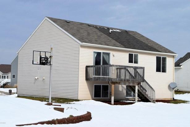 Single Family Residence, Bi-Level - Wyoming, MI (photo 3)