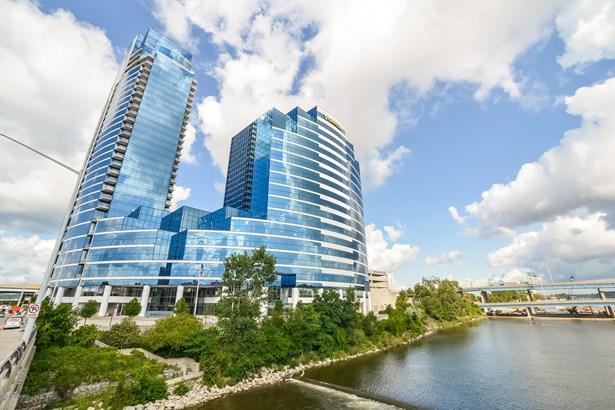 Condominium, Contemporary - Grand Rapids, MI