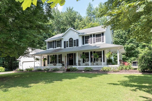 Single Family Residence, Traditional - Byron Center, MI
