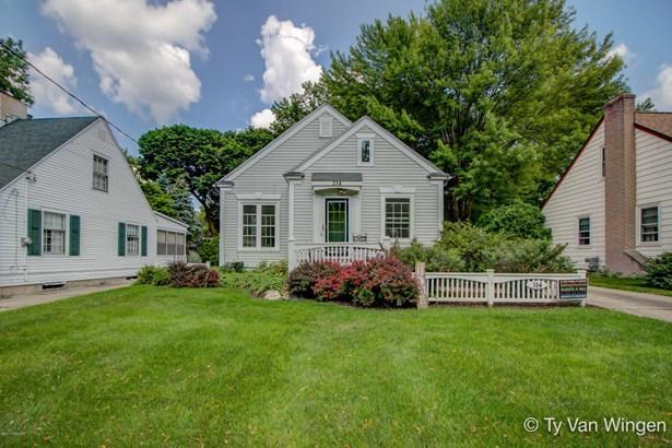 Single Family Residence, Bungalow - Grand Rapids, MI (photo 2)