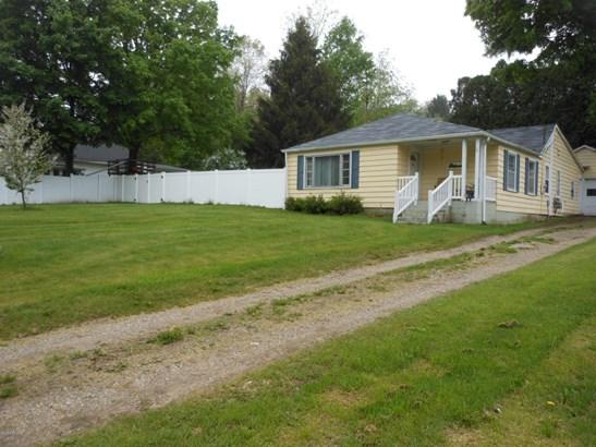 Single Family Residence, Ranch - Alto, MI (photo 1)