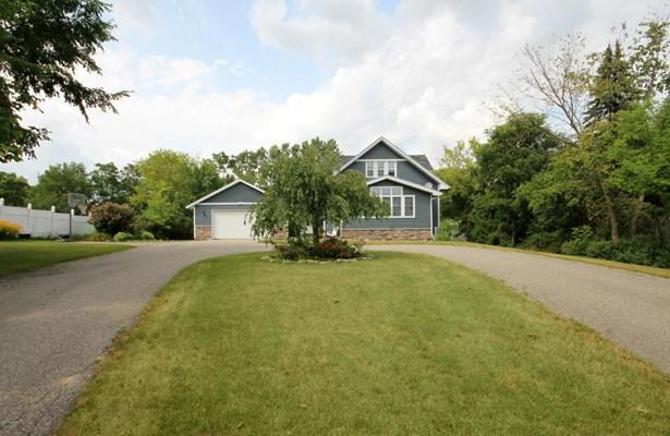 Single Family Residence, Traditional - Kentwood, MI (photo 2)