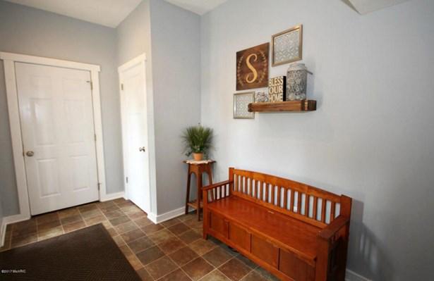 Single Family Residence, Traditional - Kentwood, MI (photo 4)