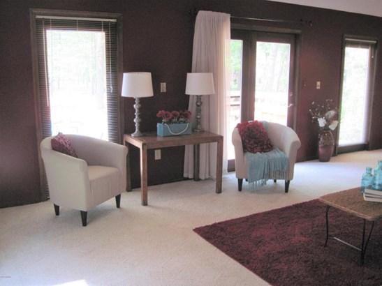 Single Family Residence, Contemporary - Montague, MI (photo 5)