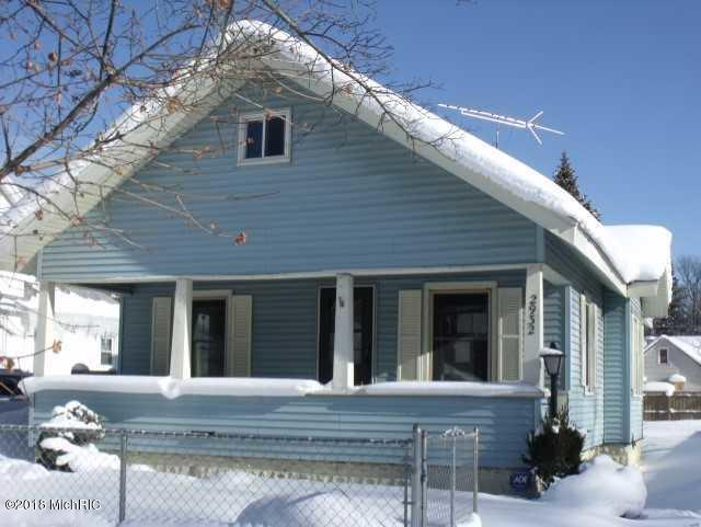 Single Family Residence, Bungalow - Muskegon Heights, MI (photo 1)