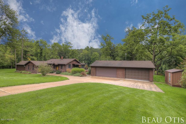 Single Family Residence, Ranch - Caledonia, MI (photo 1)