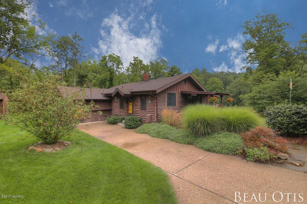 Single Family Residence, Ranch - Caledonia, MI (photo 3)
