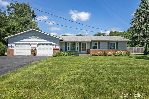Single Family Residence, Ranch - Greenville, MI