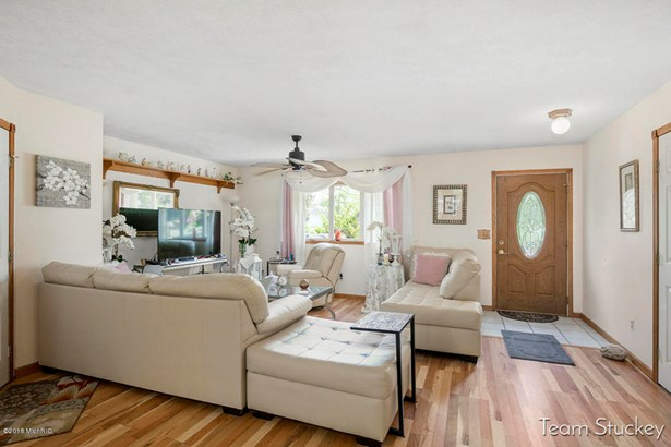 Single Family Residence, Ranch - Howard City, MI (photo 5)