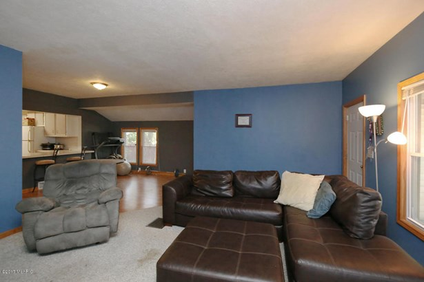 Single Family Residence, Bungalow - Grand Rapids, MI (photo 4)