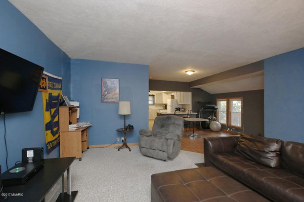 Single Family Residence, Bungalow - Grand Rapids, MI (photo 5)