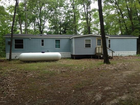 Single Family Residence, Mobile - Hesperia, MI (photo 2)