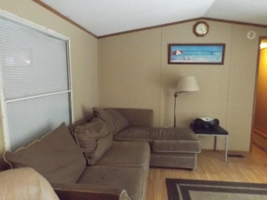 Single Family Residence, Mobile - Hesperia, MI (photo 5)