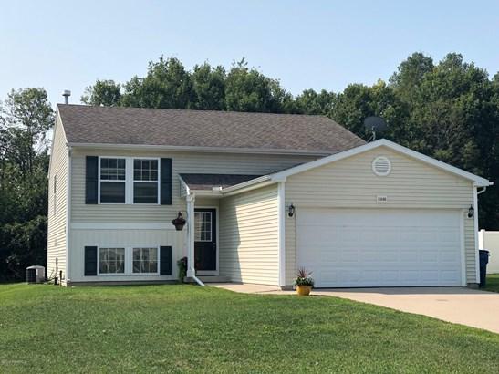 Single Family Residence, Bi-Level - Lowell, MI