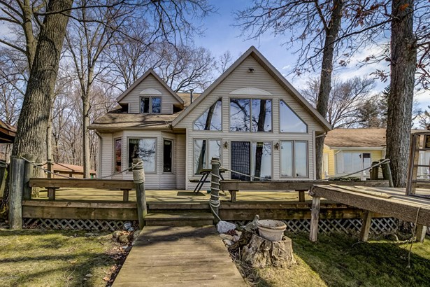 Single Family Residence, Traditional - Shelbyville, MI (photo 2)
