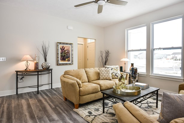Single Family Residence, Ranch - Hudsonville, MI (photo 4)