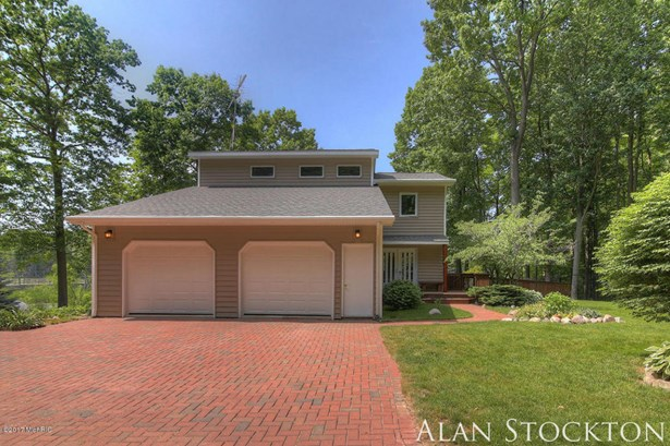 Single Family Residence, Traditional - Coral, MI (photo 5)