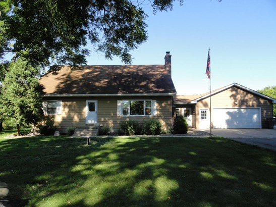 Cape Cod, Single Family Residence - Lowell, MI (photo 1)