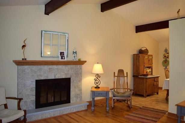 Tri-Level, Single Family Residence - Kentwood, MI (photo 4)