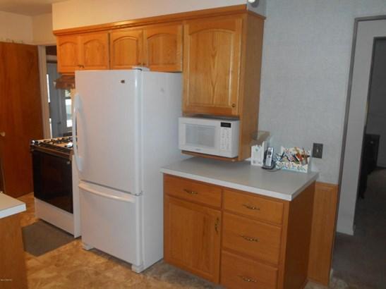 Cape Cod, Single Family Residence - Wyoming, MI (photo 3)