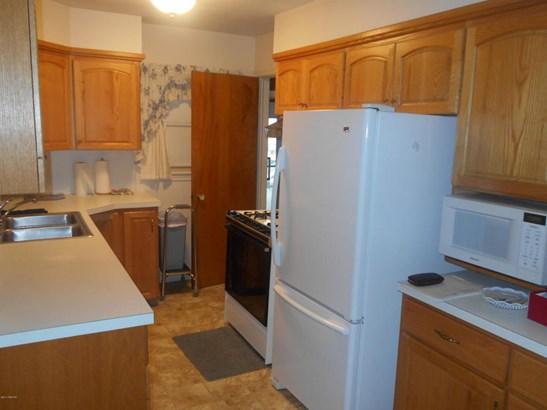 Cape Cod, Single Family Residence - Wyoming, MI (photo 5)