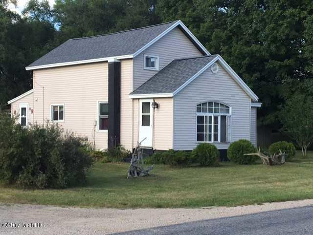 Single Family Residence, Bi-Level - Grant, MI (photo 1)