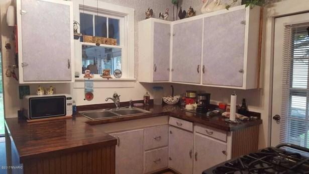 Single Family Residence, Traditional - Allegan, MI (photo 3)
