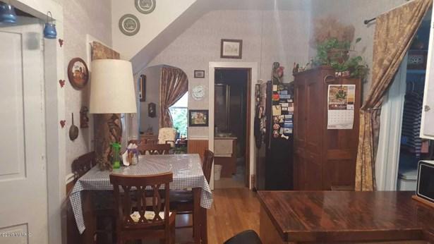 Single Family Residence, Traditional - Allegan, MI (photo 4)