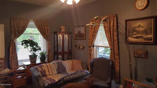 Single Family Residence, Traditional - Allegan, MI (photo 5)