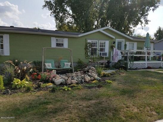 Single Family Residence, Ranch - Ionia, MI (photo 2)