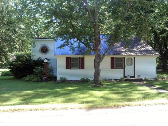 Single Family Residence, Ranch - Twin Lake, MI (photo 1)