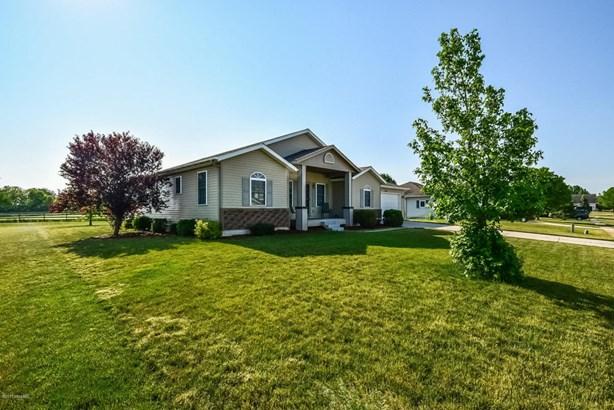 Single Family Residence, Ranch - Caledonia, MI (photo 2)