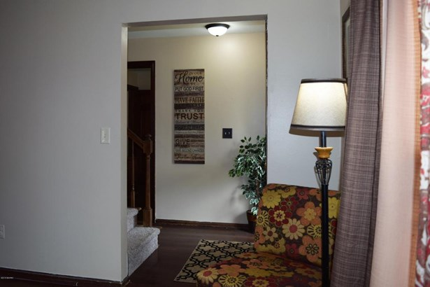 Single Family Residence, Traditional - Kentwood, MI (photo 5)