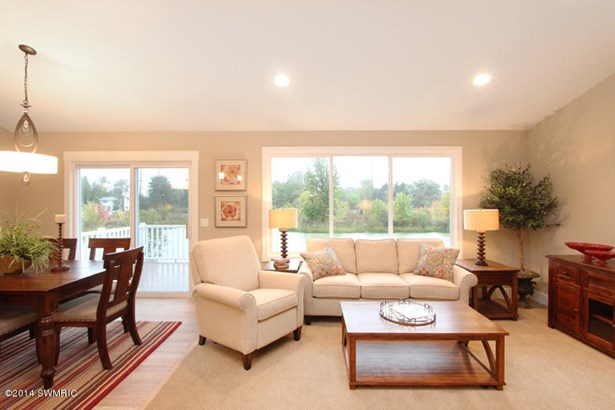 Condominium, Ranch - Kentwood, MI (photo 5)