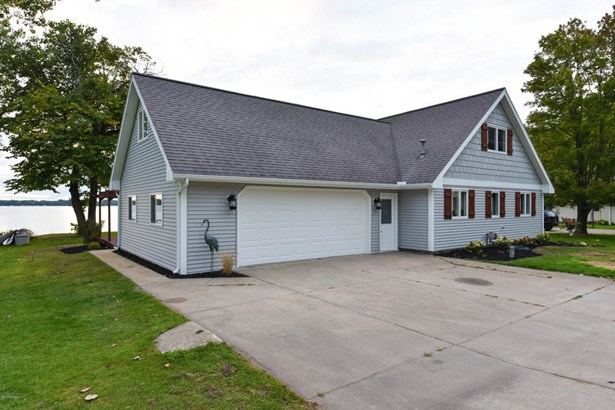Single Family Residence, Traditional - Middleville, MI (photo 2)