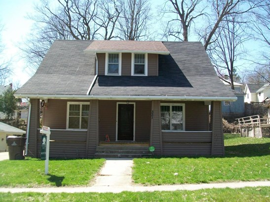 Single Family Residence, Bungalow - Ionia, MI (photo 1)